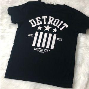 H&M 4-6 year old Black Detroit tee shirt